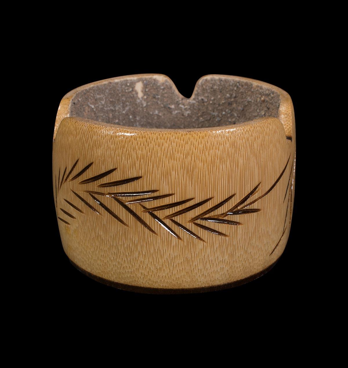 Wooden Round Leaf Ashtray